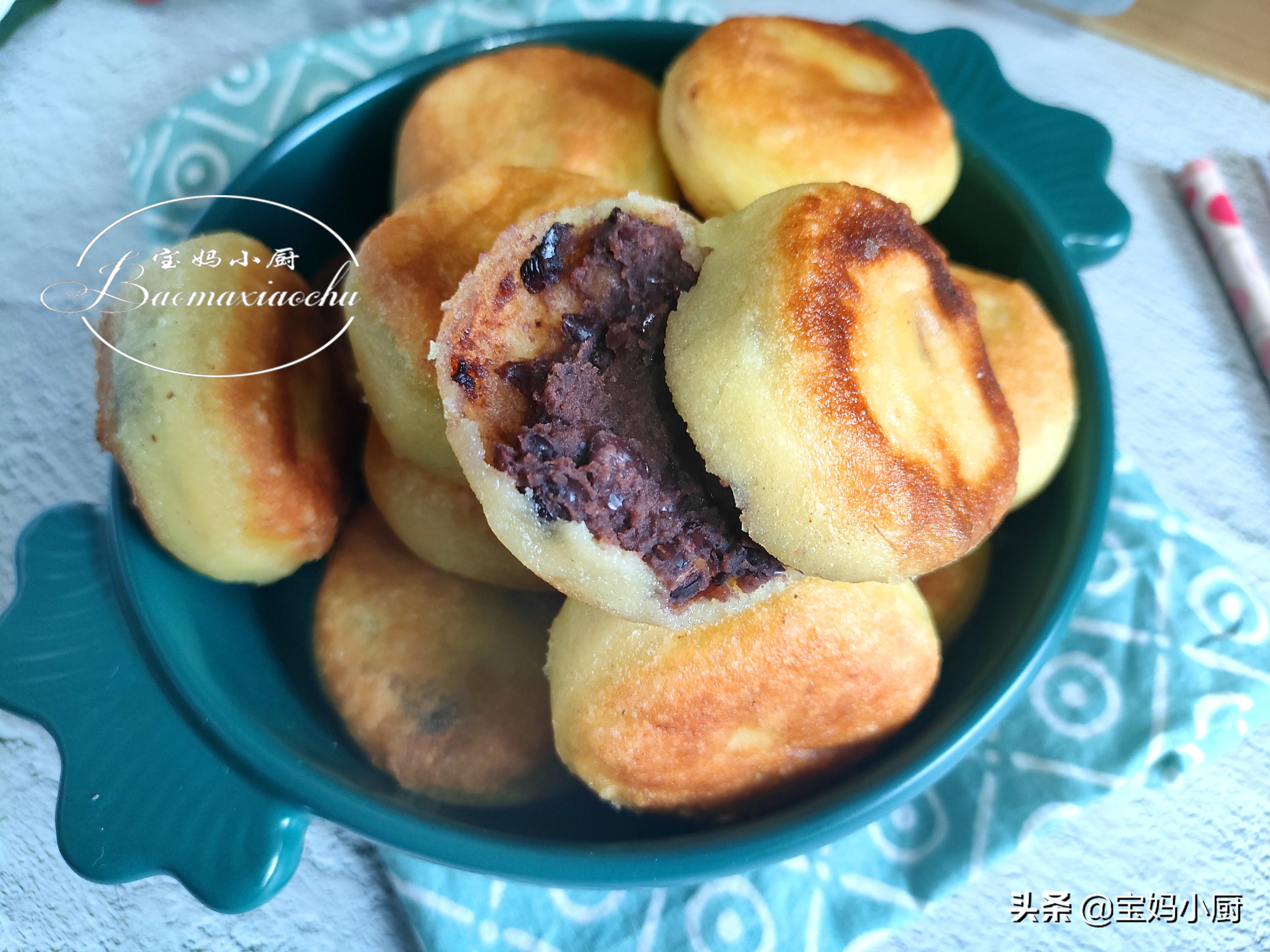 玉米面和它一起烙饼,软软糯糯的还好吃,做法简单,营养补得足足
