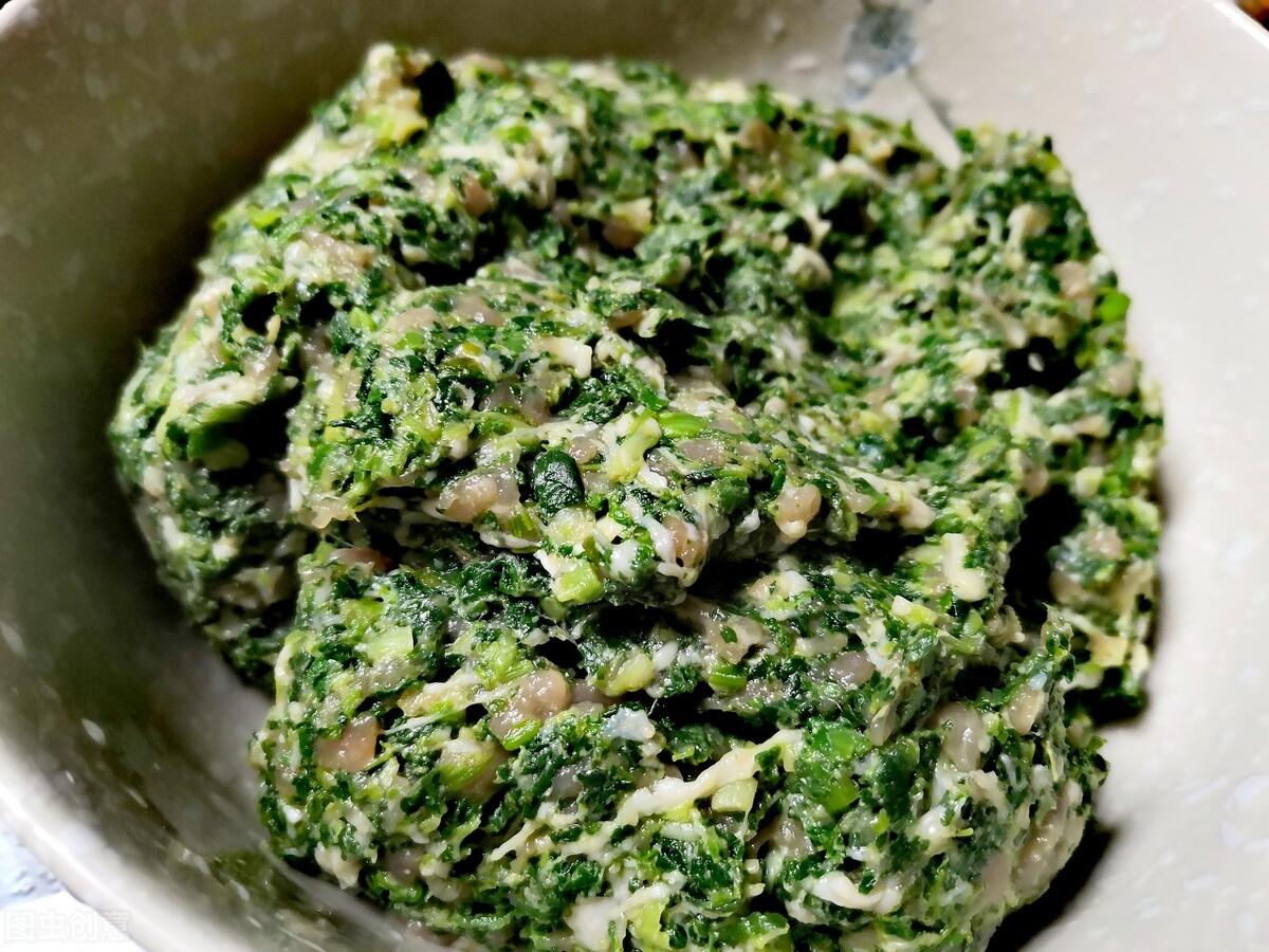春季多吃应季野菜,这菜随处可见,营养丰富口感好,包饺子太鲜美 美食做法 第6张