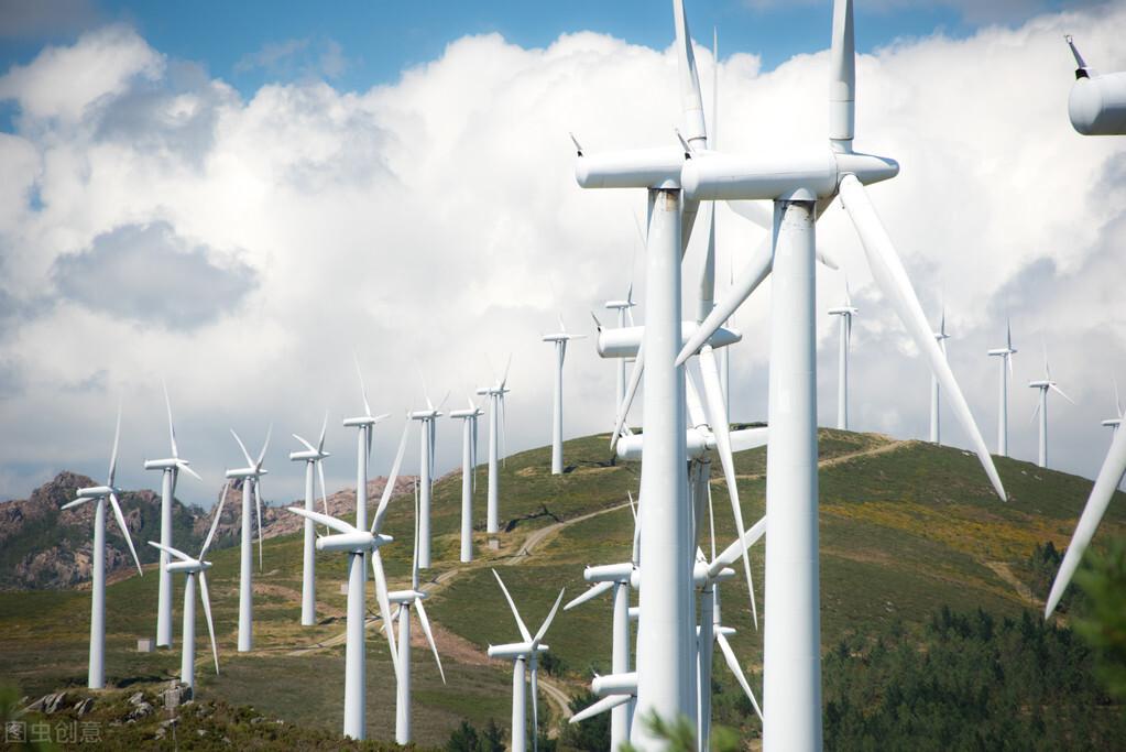 风力发电机一圈几度电(2000千瓦发电机多少钱一台)