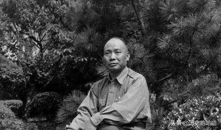这个总司令统率五十万大军,四年对日军没放一枪一弹,在忙啥