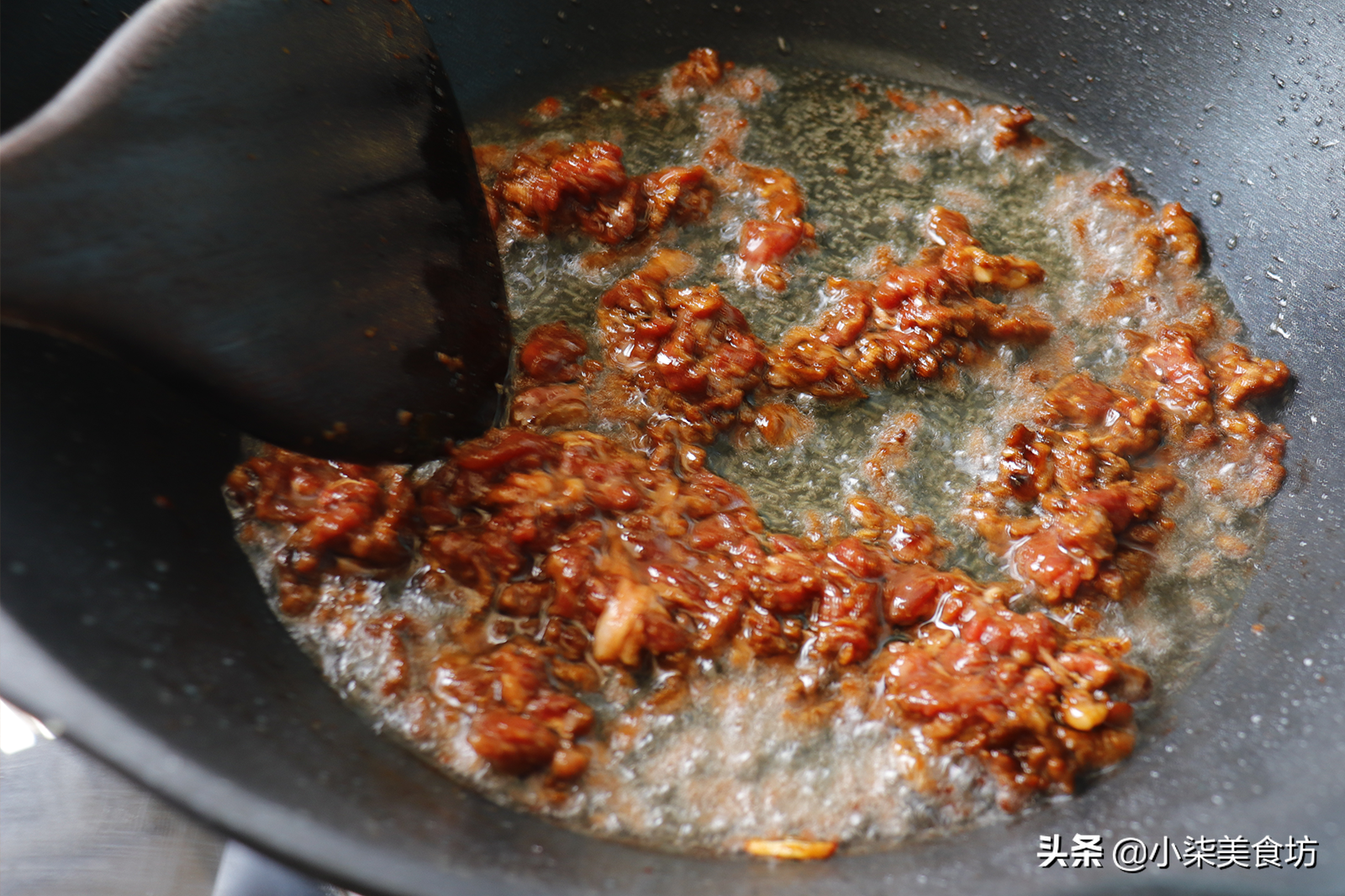 炒豆角时,切记不要直接下锅炒,多加2步,鲜嫩入味,营养又下饭 美食做法 第8张