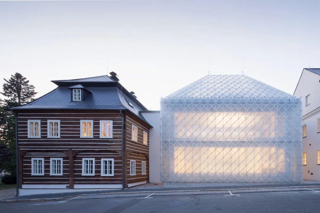 充满未知魅力——最具设计感的玻璃建筑分享