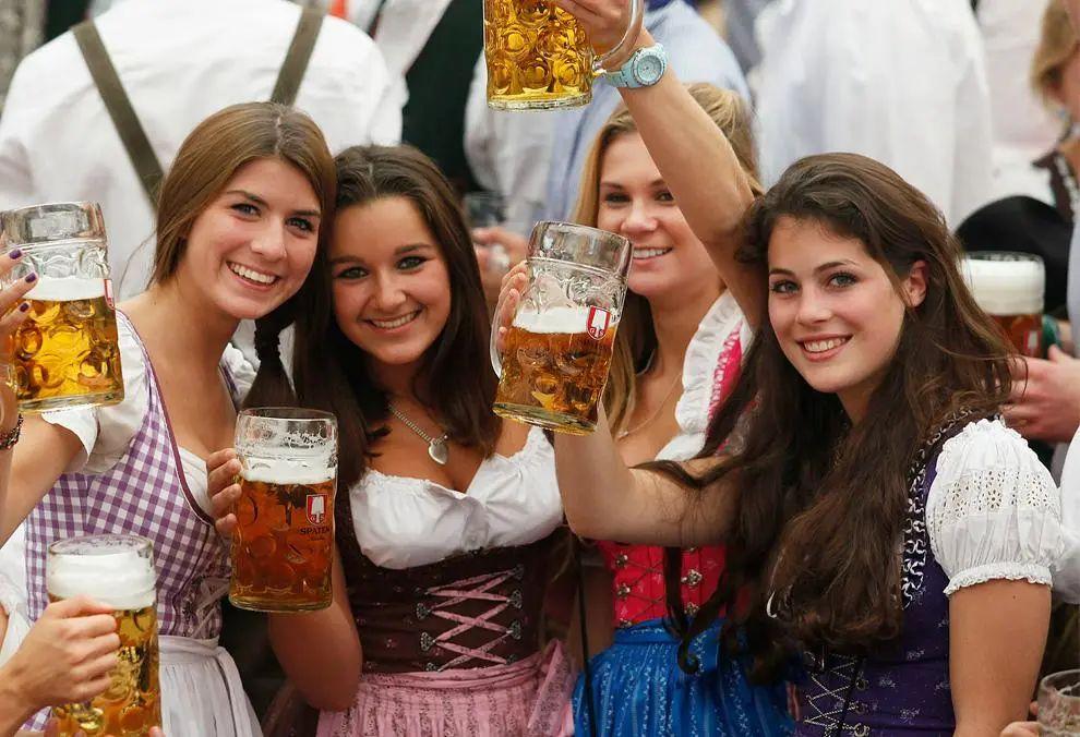 """德国""""大众""""车,凭啥比奔驰宝马贵几十万?你所不知道的德国真相"""