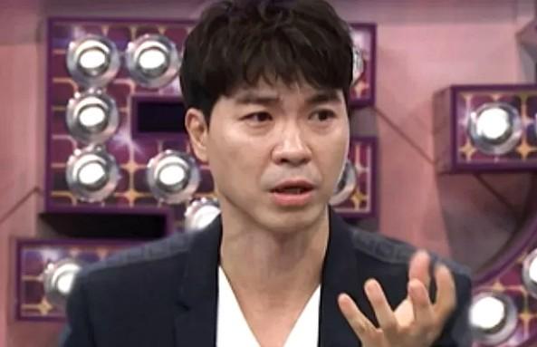 朴秀洪宣布结婚后,陷入了信任危机,《熊孩子》节目组面临尴尬
