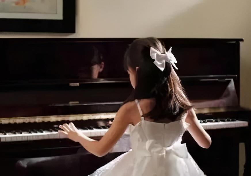干货!教你如何判断二手钢琴的生产日期