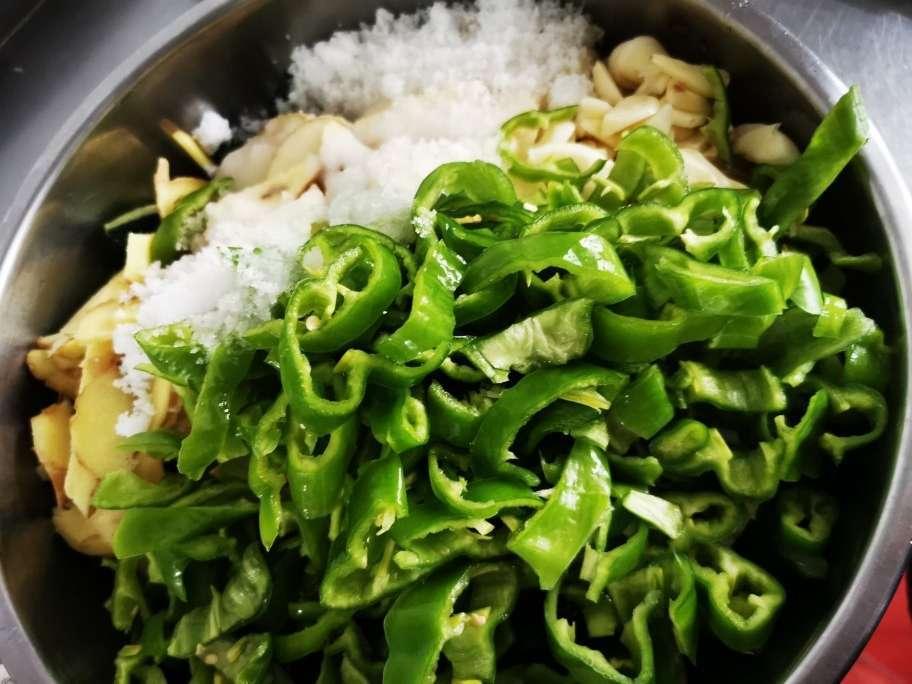 私藏多年的腌黄瓜经验,配方教给你,2个小时就能吃,开胃又下饭 美食做法 第8张
