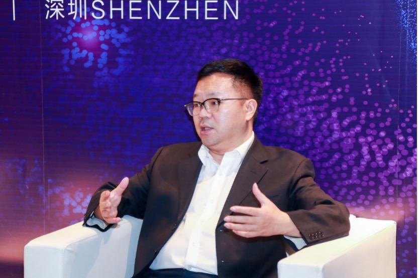 澎湃新闻:专访酷派CEO梁锐:酷派携无线超轻AR眼镜归来