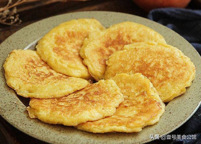 软嫩甜香的苹果鸡蛋饼,简单好吃,营养美味,老少皆宜的早餐美味