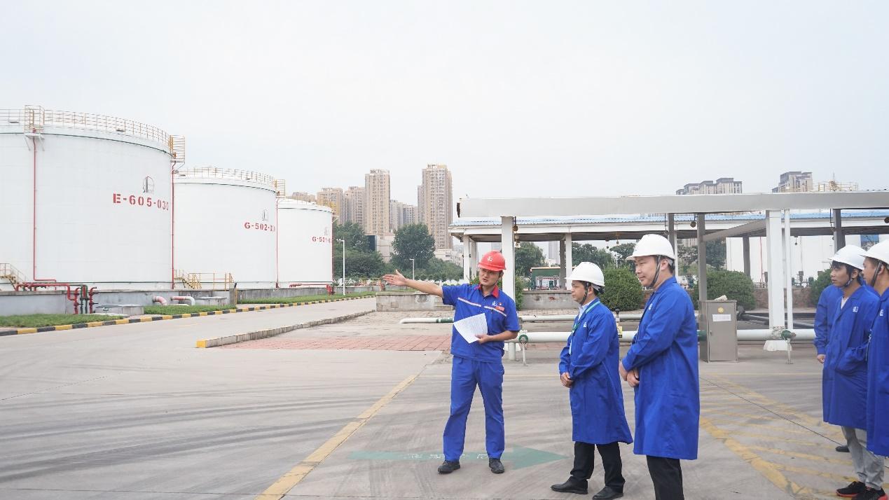 """中国石化(新万博取款最低额度a)河南石油:""""线上线下""""齐公开,四十万人同互动"""