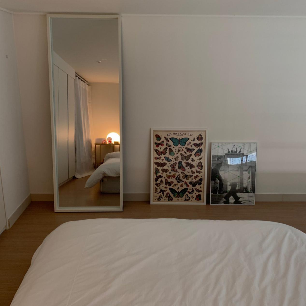一个人蜗居26㎡,却乐在其中,家小而温馨,4米2层高抬高床睡上面