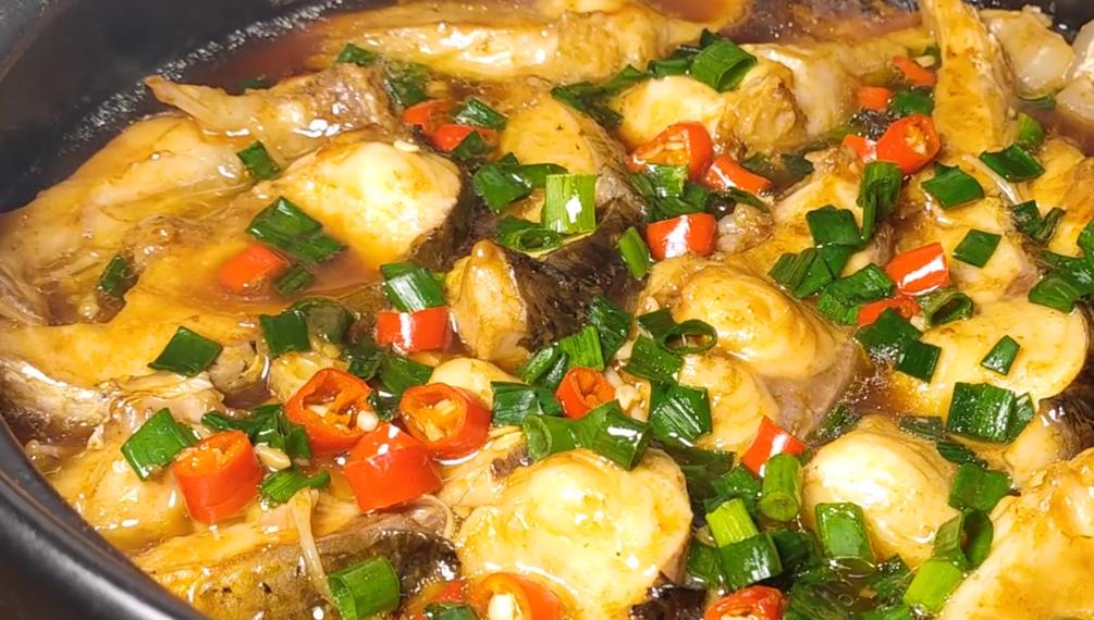 冬天要多吃魚,學會懶人做法,鮮香嫩滑味道足,出鍋就是大硬菜