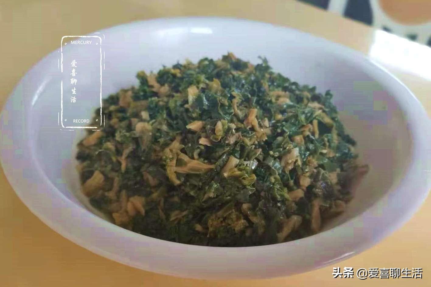 这食材在农村不起眼,城里却卖25一斤,锅中一炒清香脆嫩太美味 美食做法 第1张