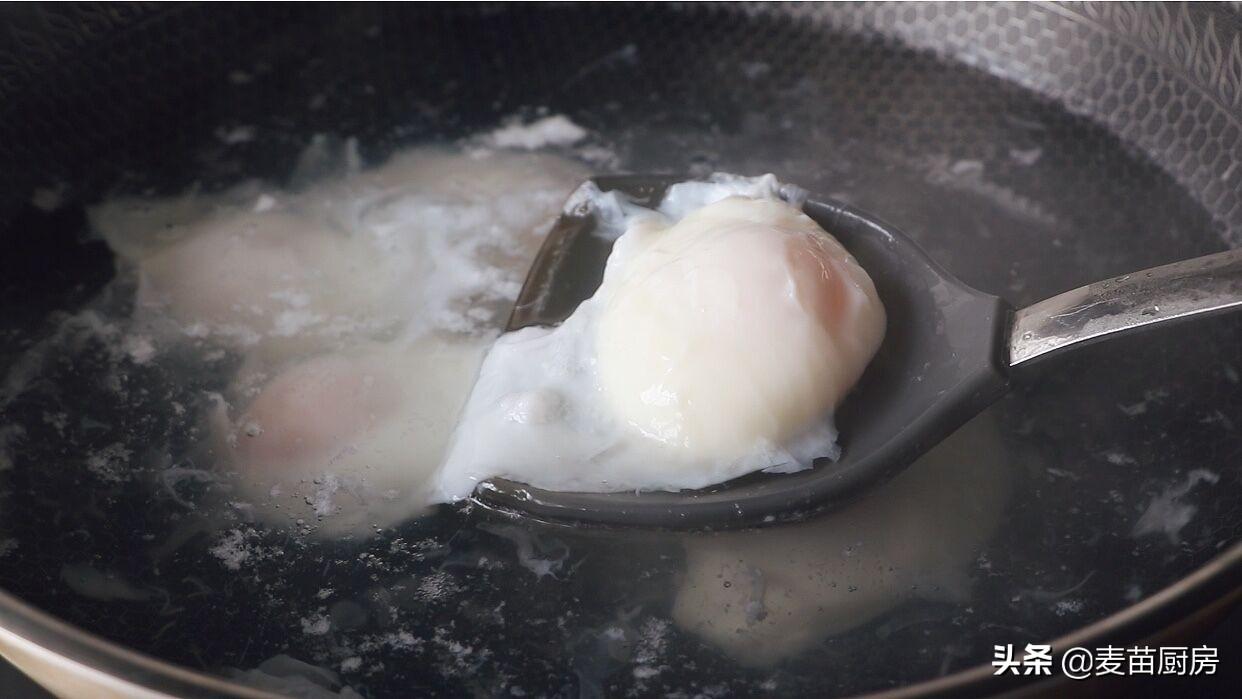 荷包蛋我就服這做法,出鍋個個完整,一做一個準,鮮嫩好吃