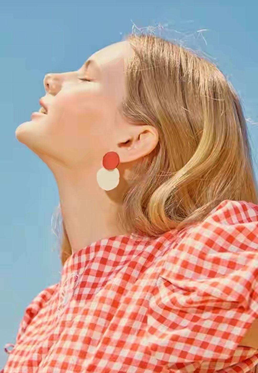 """""""耳環搭配""""有講究,三個小技巧幫你輕松搞定,小配飾也有大作用"""