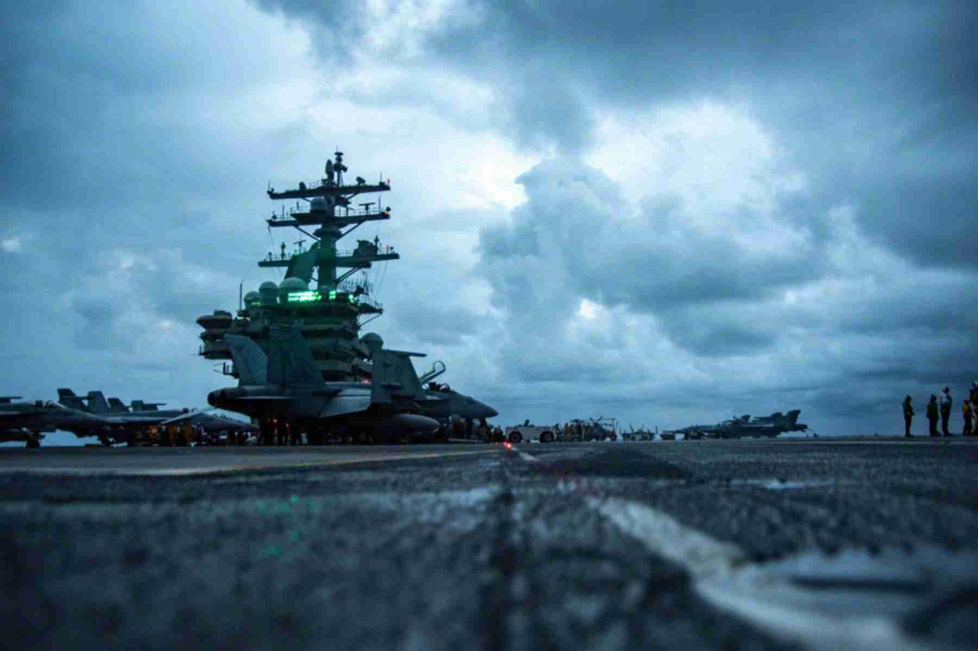 怕中国武统?美航母打击群闯南海,执行秘密任务,东风-26深夜开火