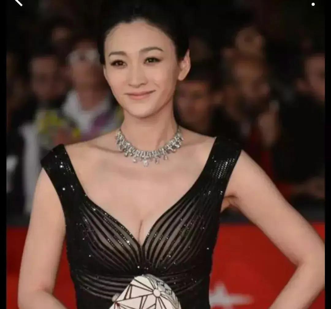 看了李小冉的内衣秀,才真正明白她有多么优秀
