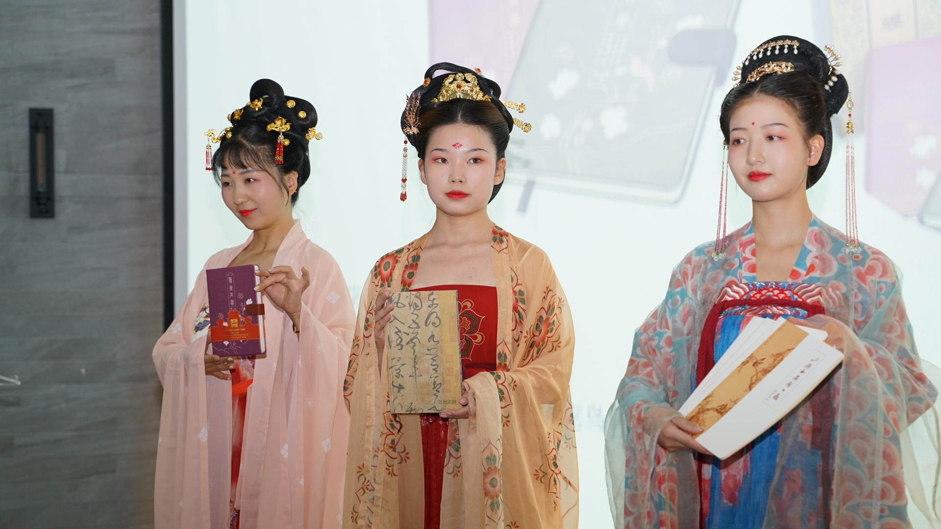 陕西省图书馆:将文创产品带上阅读文化节