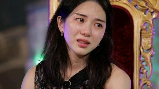 权珉娥复出,雪莉自杀前很孤独,AOA里被申智珉挥拳头和语言暴力