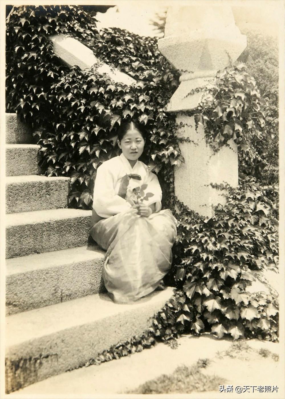1924年的内蒙古通辽老照片 辽阔的草原美丽的女子