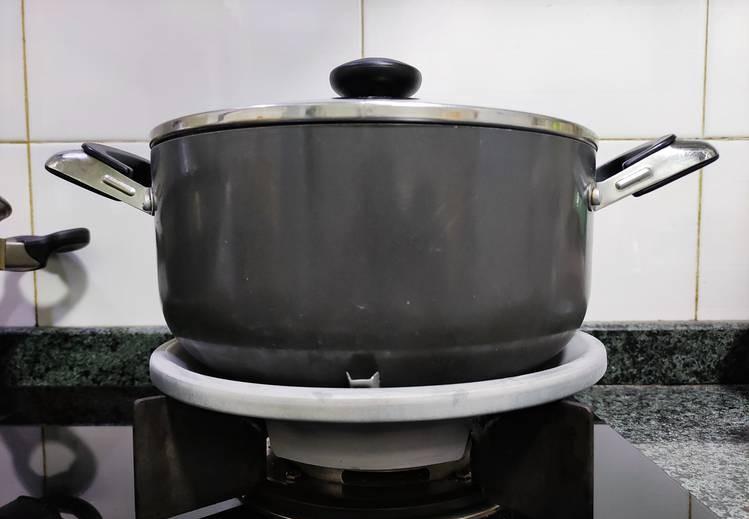 廚房灶具添用聚火罩,到底是節能省氣的神器,還是讓人中毒的坑器