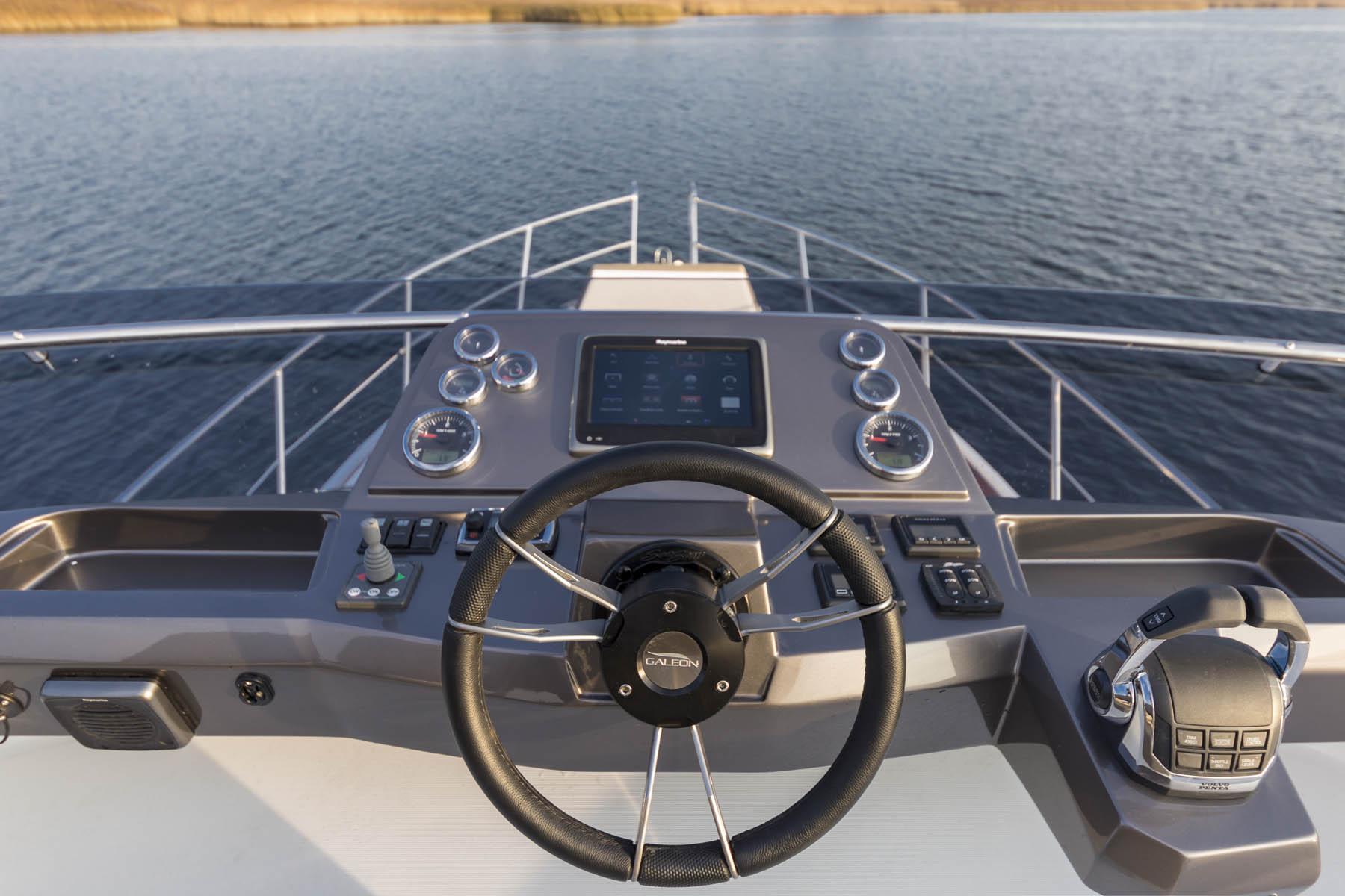 卡帝尔Galeon 360 FLY游艇,小身材也有明星范