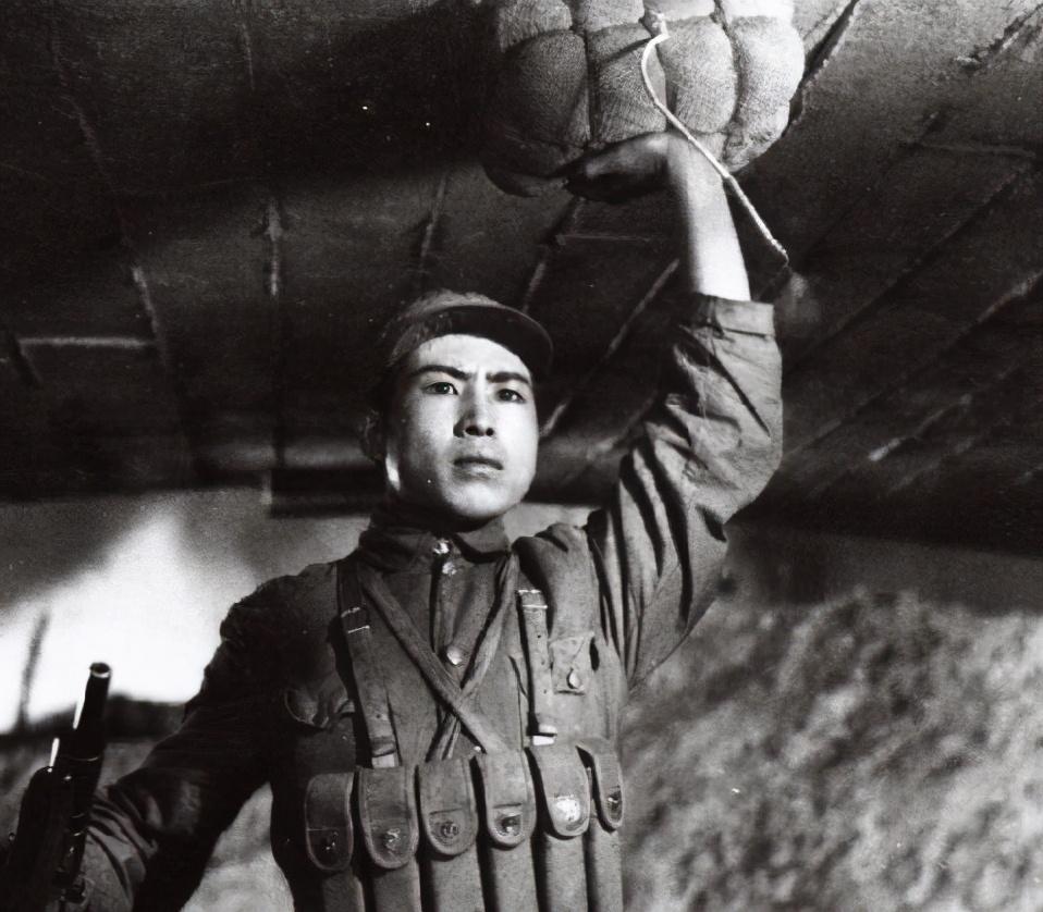 猛将贺晋年,活捉巨匪谢文东,带出英雄董存瑞,授衔主席为他说话