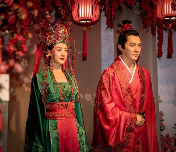 明星蜡像是什么样,迪丽热巴、朱一龙、杨紫、古天乐、赵丽颖与冯绍峰