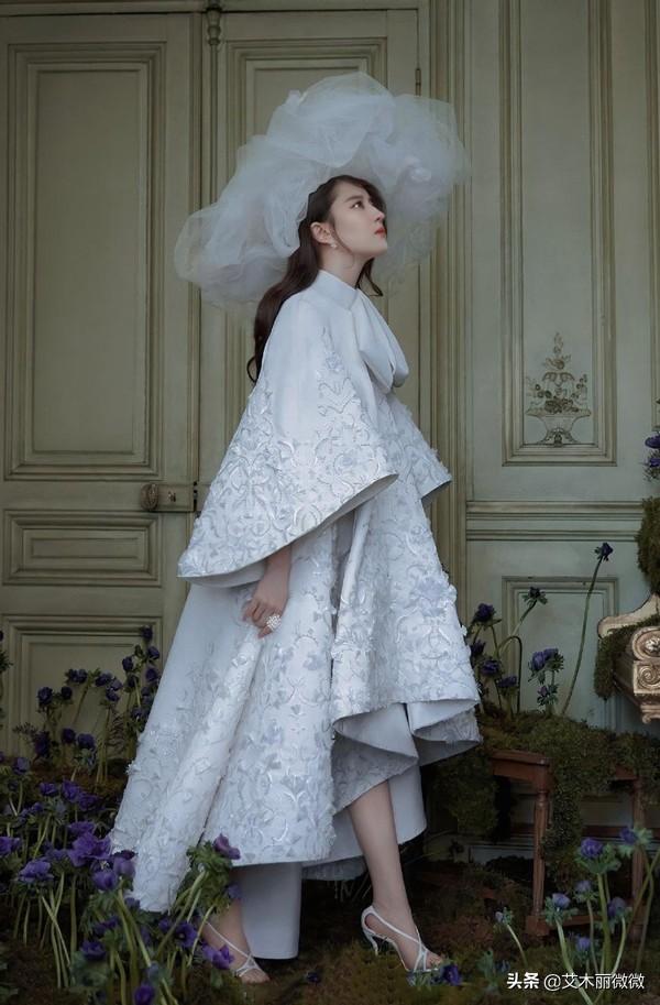 """刘亦菲拍摄婚纱造型,一袭白纱衬得优雅高级,不愧是""""仙女姐姐"""""""