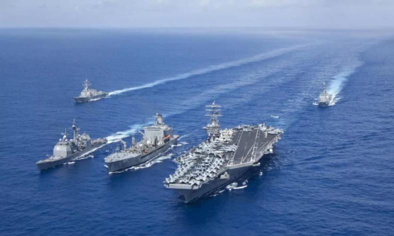 """大批航母群逼近!美国带头对中国喊打喊杀,却谁也不敢越""""雷池""""一步"""
