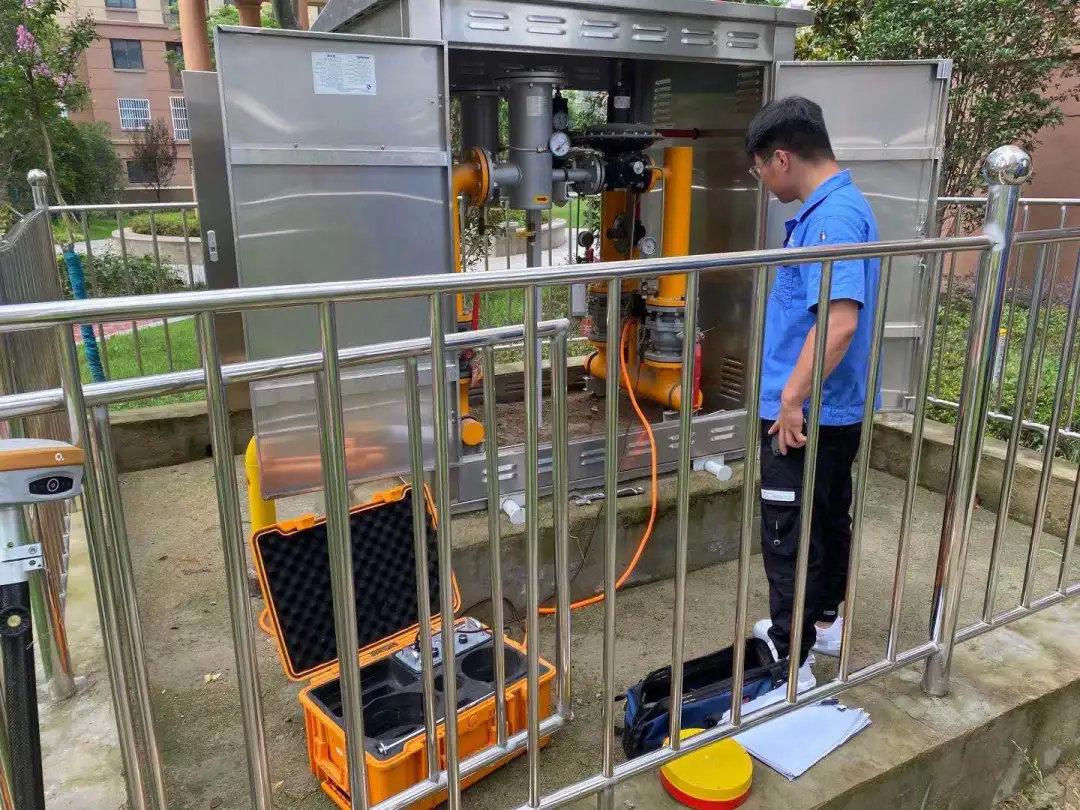 不畏酷暑,勇战三伏|管畅科技燃气PE管线探测工程转战江苏