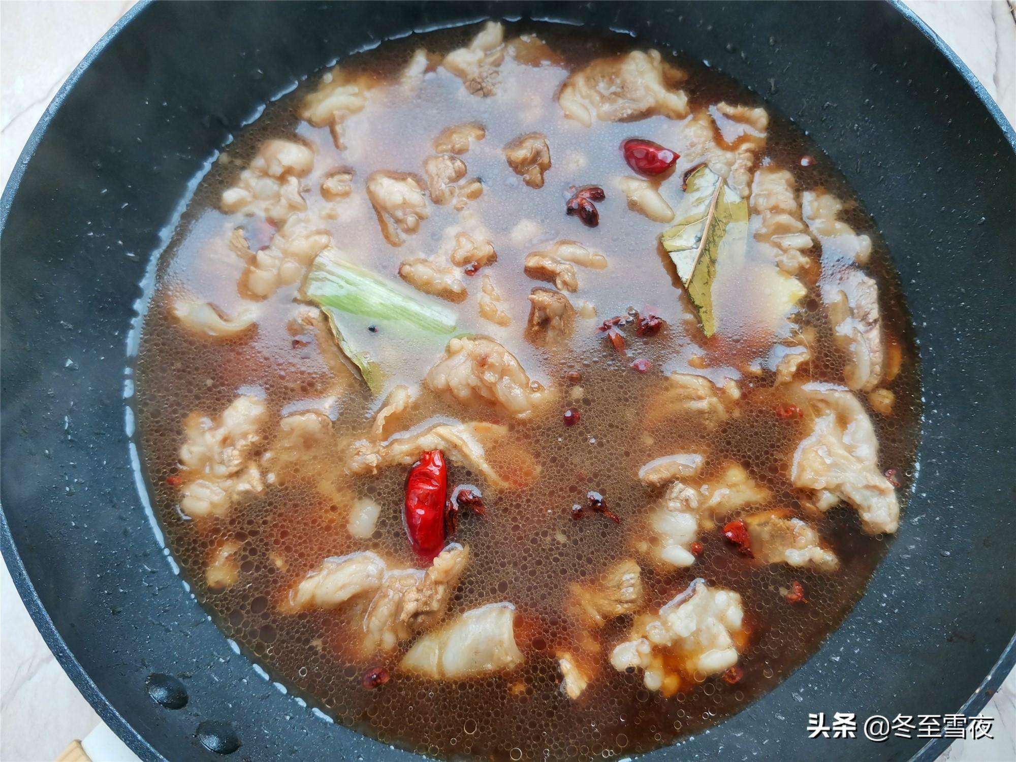 做道这个筋头巴脑锅,软烂入味,香气四溢,太解馋了 美食做法 第5张