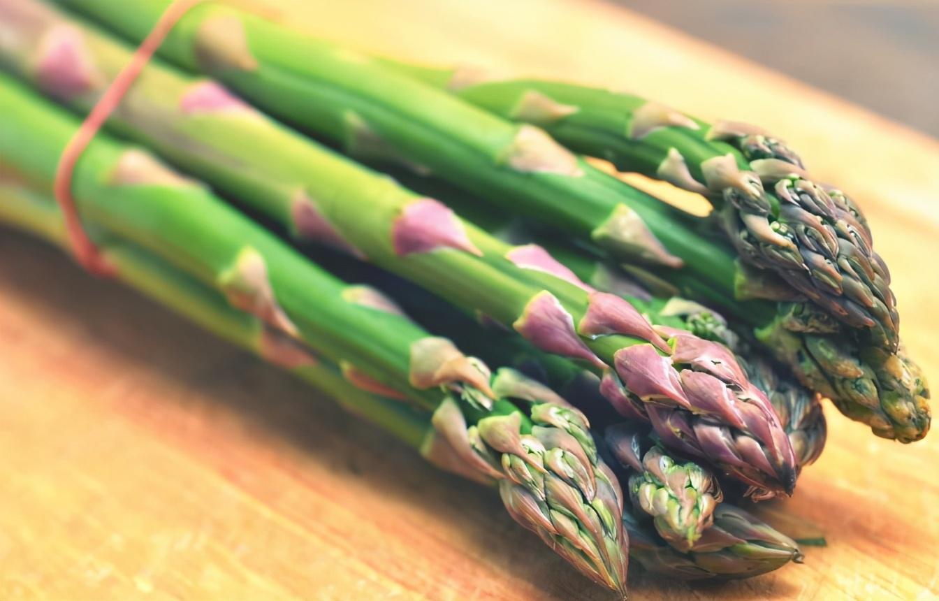 芦笋炒虾仁怎么做才好吃?牢记2个窍门,爽脆滑嫩,鲜香十足 美食做法 第3张
