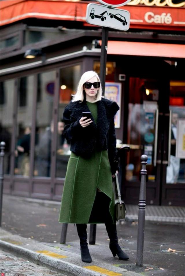 """女人若想玩转高级色彩,来看时尚达人怎么搭,学会才能穿得""""贵"""""""