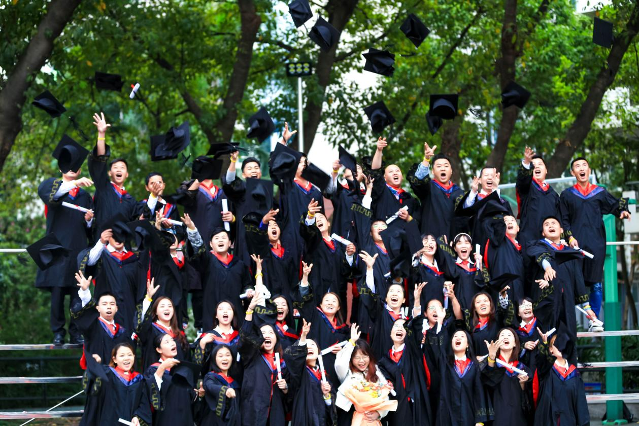 今朝圓夢,未來可期 明世教育2020秋季畢業典禮圓滿落幕