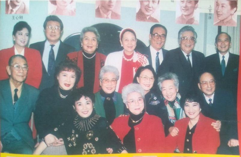 八位健在的新中国二十二大电影明星今昔对比,他们都在优雅中老去