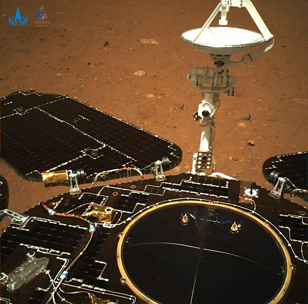 中国首张火星表面照片来了!为什么用了4天,而美国只用20分钟?