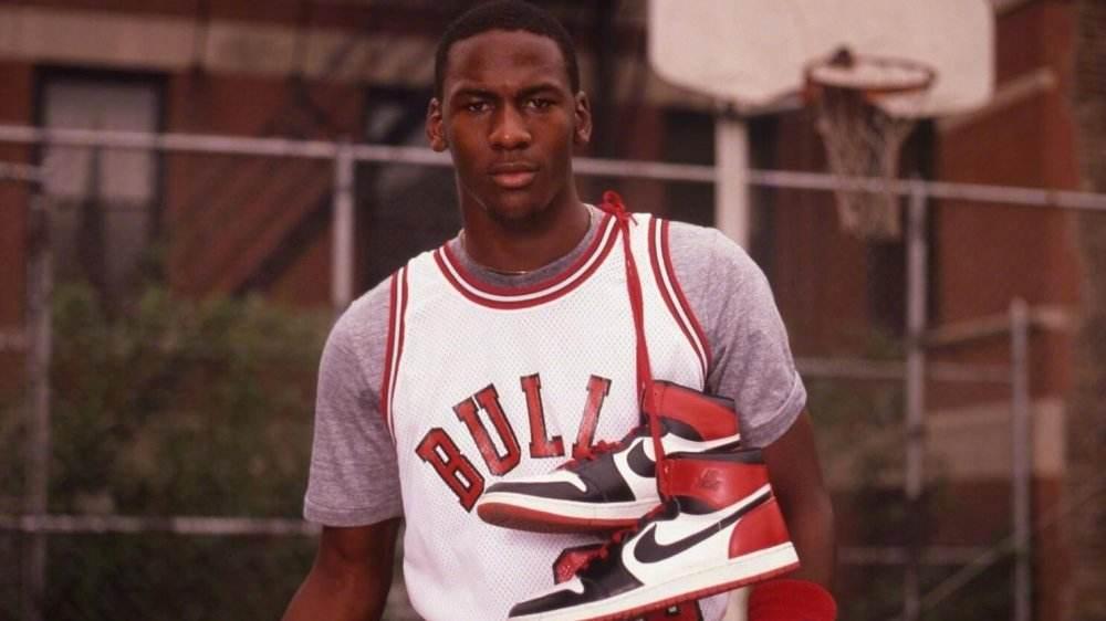 首份合同,Nike當年給菜鳥喬丹定了哪些高難續約條件?而籃球之神完成了多少?-黑特籃球-NBA新聞影音圖片分享社區