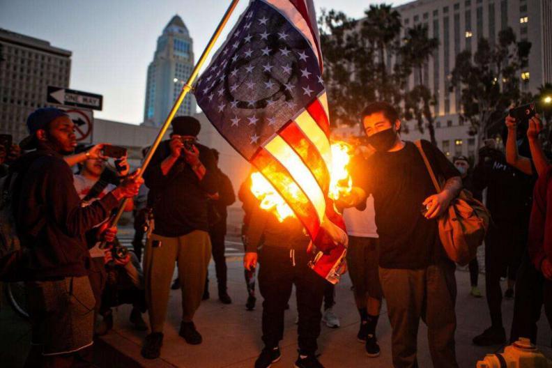 拜登上台之时就是美国内战之刻,民兵头目:用枪炮支持特朗普连任