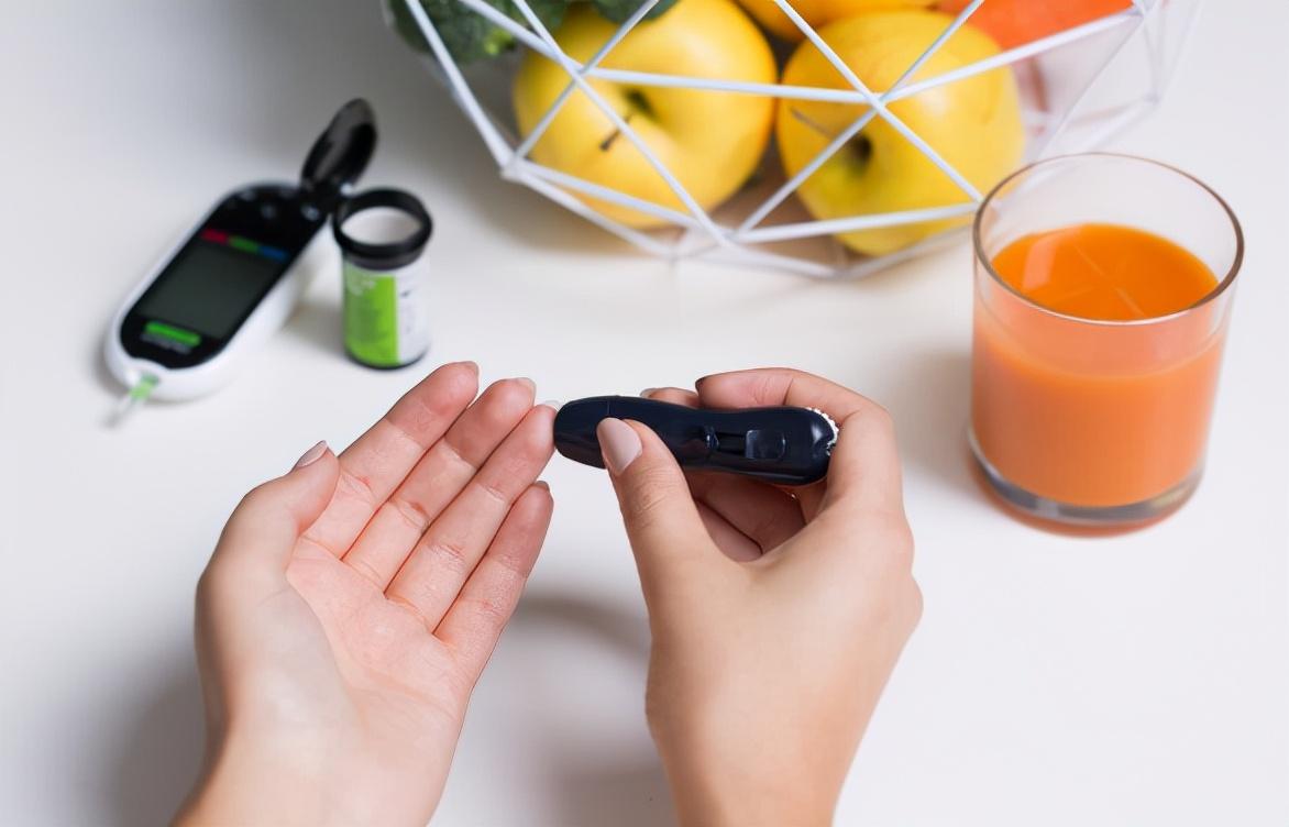 患上糖尿病,水果就真的不能吃了吗?提醒:选对水果,很重要