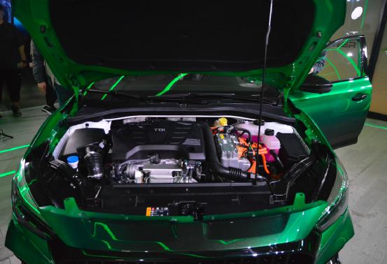 不到20万买超跑?原厂改装 合法上牌 MG6 XPOWER上市 售19.98万元