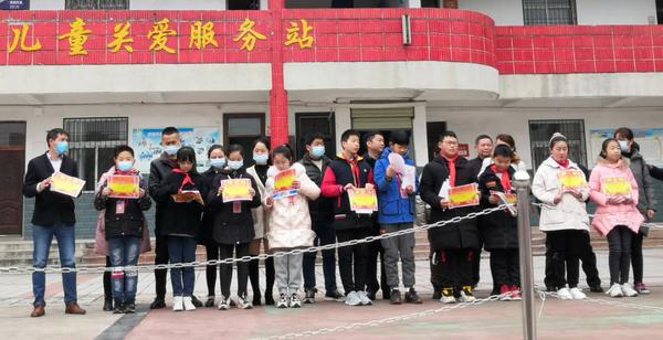 新年再进百尺竿 看武汉市罗汉小学的新学期总动员