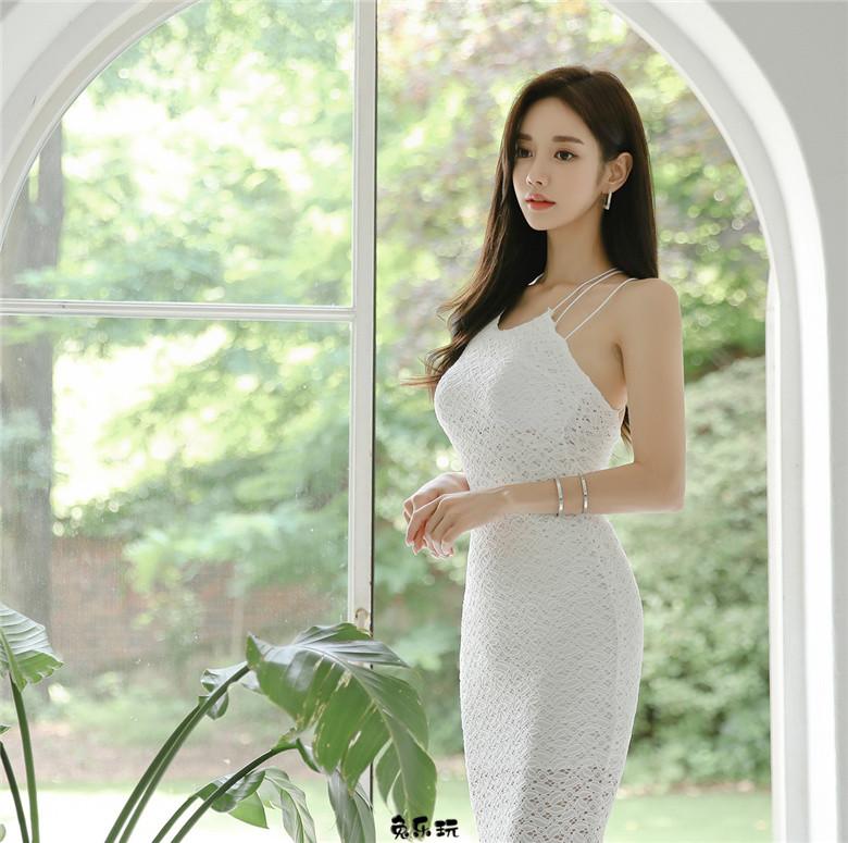 孙允珠:绫罗花蕾白砂雪纺小公主衣裙