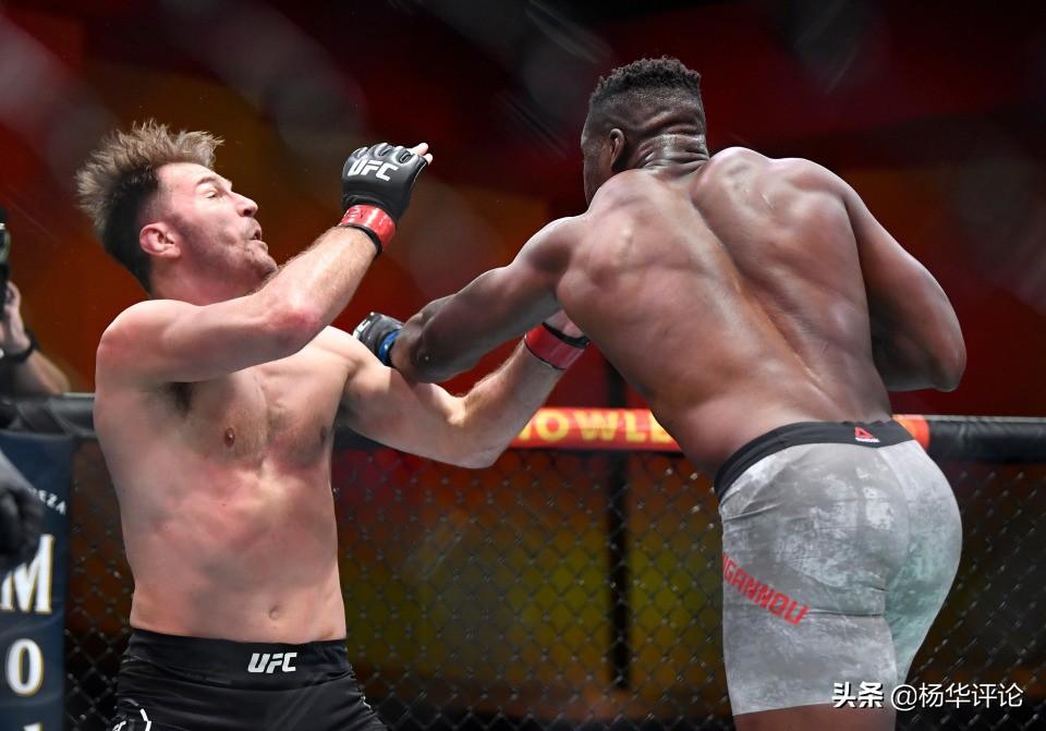 米欧奇被打进医院伤势不明,恐造成脑震荡,铁血缔造UFC新王朝