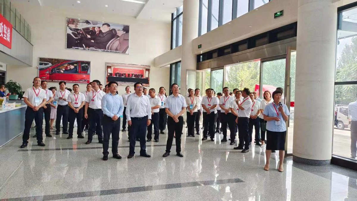 成渝轴线区(市)县协同发展联盟第三届年会在遂宁安居区召开