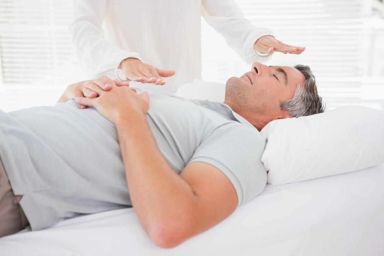 保护颈椎从选对枕头开始,这3个要点很重要,同时这3个保养技巧需谨记