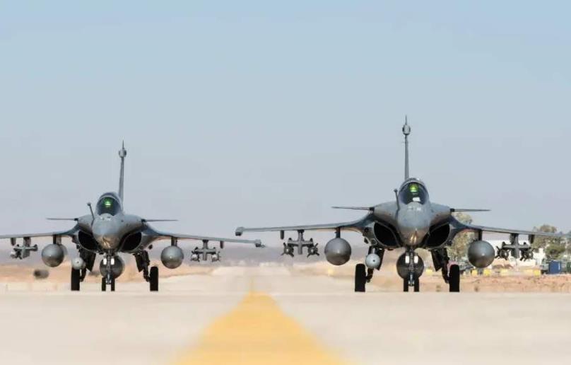 印度高官宣称:如若与中国发生冲突,印军可直接开火,放弃扔石头