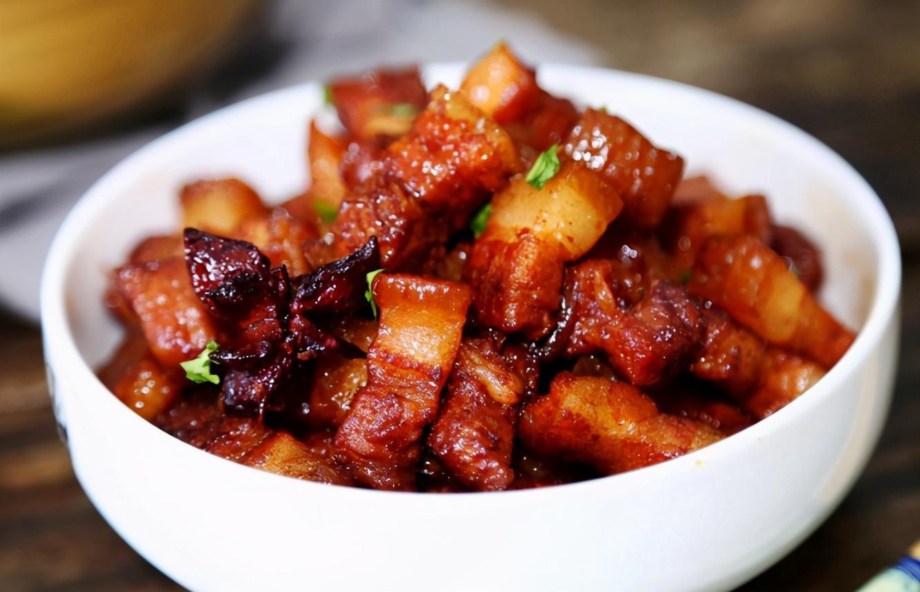 """做红烧肉,牢记""""3窍门2不放"""",肉软嫩不油腻,香味浓郁,好吃"""