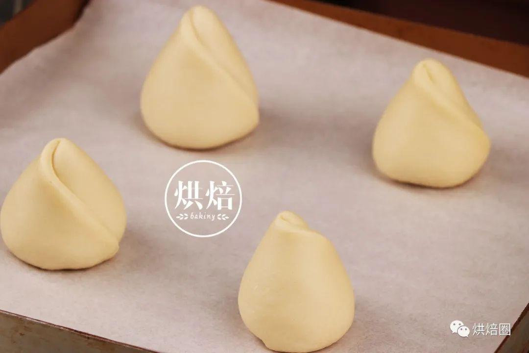 名字叫苹果派 长得却像个黄油桃 这款寿桃派感觉长辈很喜欢