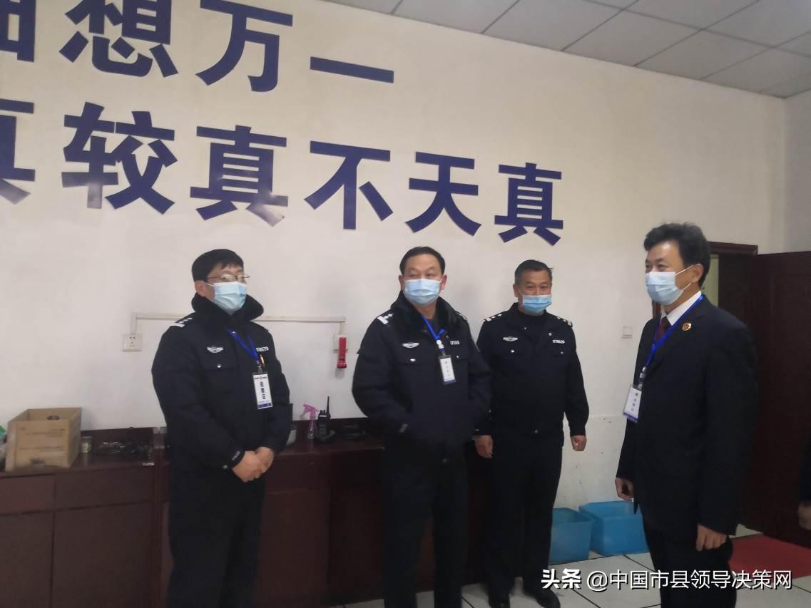 湖北省蕲春县检察院邀请人民监督员到看守所检查工作