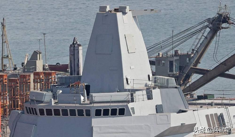 """055B或不再是""""盾舰"""",新型雷达不占空间,可装更多垂发单元"""